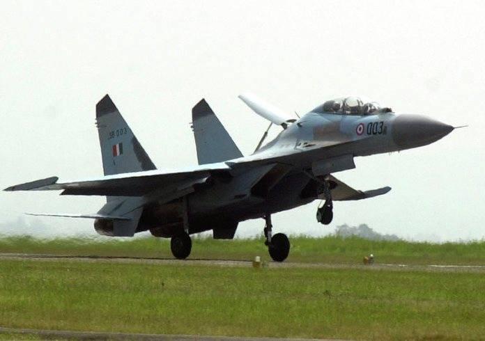 В Минобороны Индии подтвердили гибель пилотов Су-30, разбившегося близ границы с КНР