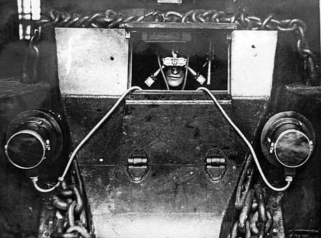 Советские приборы ночного видения времён Великой Отечественной войны.
