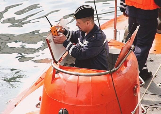 Спасатели ТОФ оказали помощь «аварийной» подлодке с использованием глубоководного батискафа
