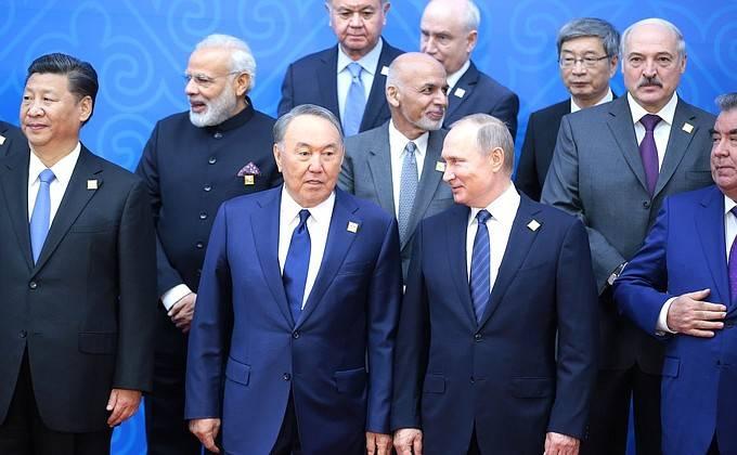 """Владимир Путин на саммите ШОС: """"Решать важные международные проблемы мешает нездоровая обстановка в США"""""""