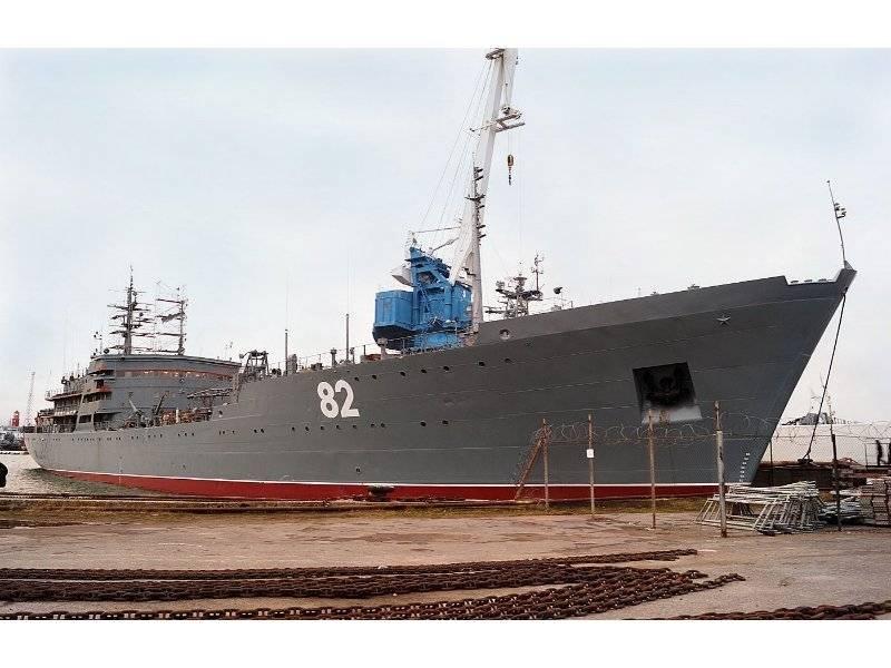 Плавмастерская ПМ-82 приступила к обеспечению деятельности оперативного соединения ВМФ России в Средиземном море