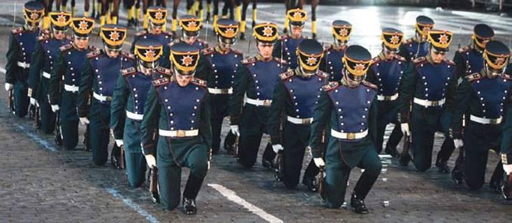 Служить – полком, воевать – бригадой
