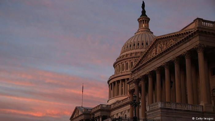 Американский Сенат одобрил расширение санкций против РФ