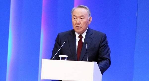 Назарбаев предложил ввести международную валюту