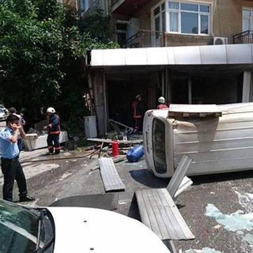 Водном изофисов вСтамбуле произошел взрыв