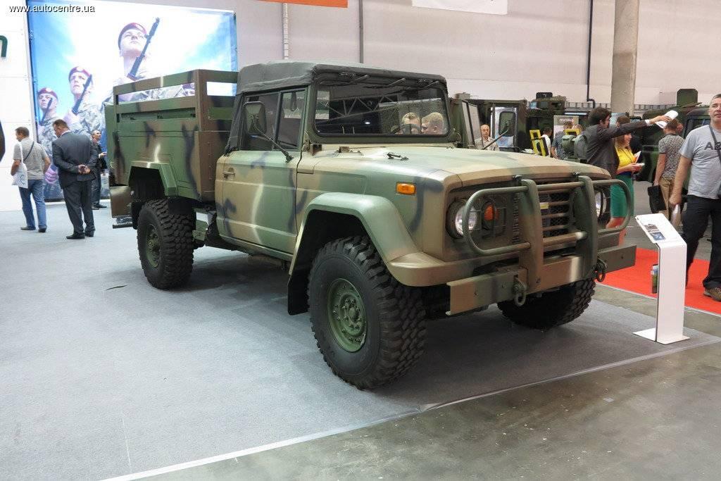 Вдействительности «новый» украинский грузовой автомобиль является старым вездеходом «Кайзер»