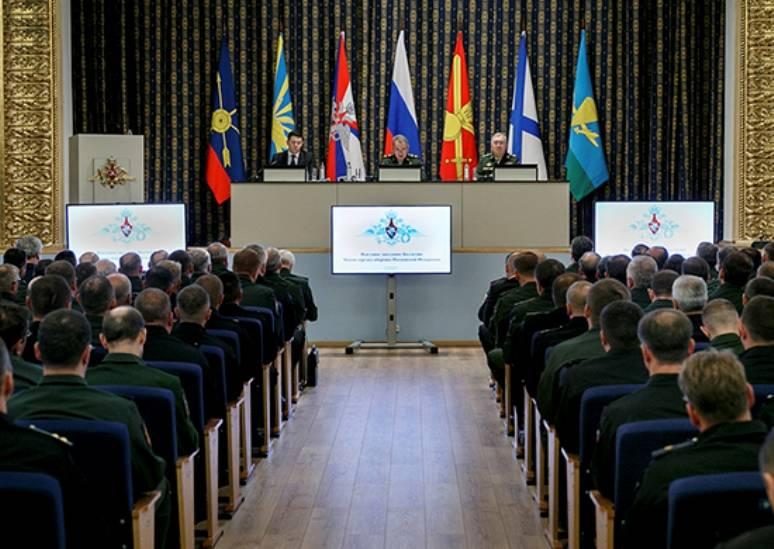 Шойгу: активность НАТО в Восточной Европе ухудшает ситуацию у российских границ