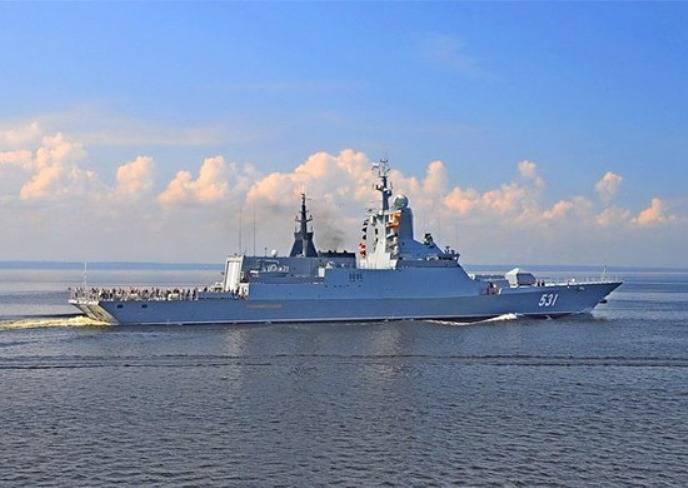 Ракетные корабли Балтфлота разыграли в море учебный бой