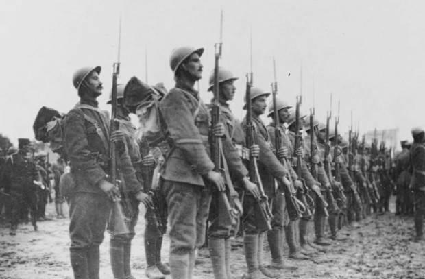 銃を突きつけたギリシャが戦争に行かざるを得なくなった
