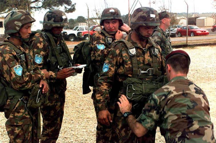러시아, 우즈베키스탄 무장 세력과의 합동 훈련 개최 10 월 2017 포유 검사장