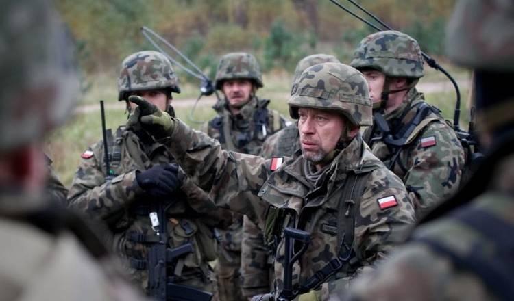 Киев разместил под Станицей Луганской около 120 польских наемников и 30 танков