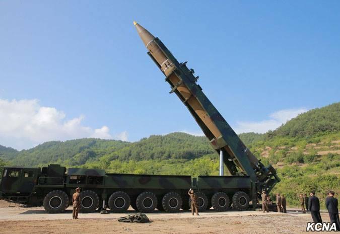 "КНДР испытала новую баллистическую ракету ""Хвасон-14"""