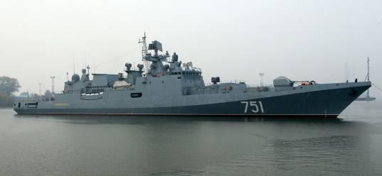 러시아 프리깃 제독 에센이 흑해에 들어감