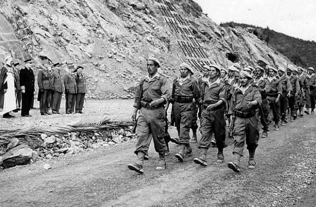 «Чемодан или гроб». Как Алжир воевал за независимость и принесла ли она ему благополучие?