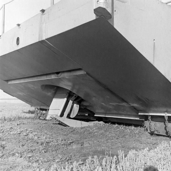 Экспериментальная амфибия Tucker Walking Barge (США)