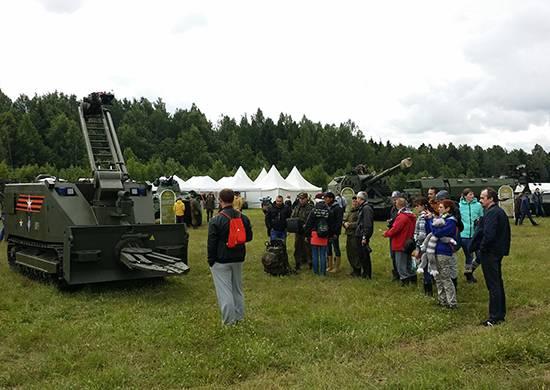 Военная техника на рок-фестивале «Нашествие»