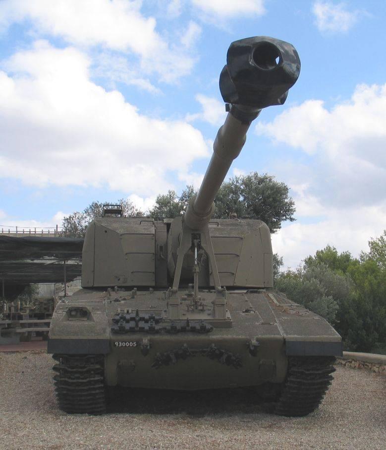 """स्व-चालित तोपखाने की स्थापना """"शोलेफ़"""" (इज़राइल)"""