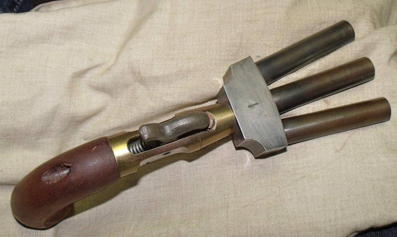 Необычные образцы оружия. Пистолет «утиная лапка»