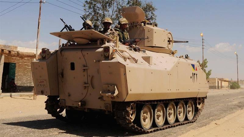 26 египетских солдат погибли на Синае в результате нападения ИГИЛ