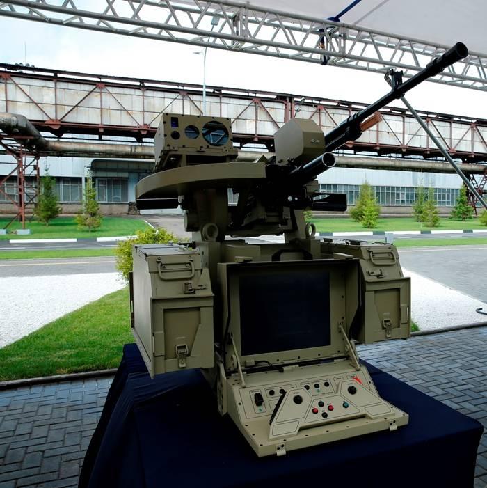 """चिंता """"कलाशनिकोव"""" मुकाबला रोबोट बनाता है। बंदूकधारी भविष्य के युद्ध की तैयारी करते हैं"""