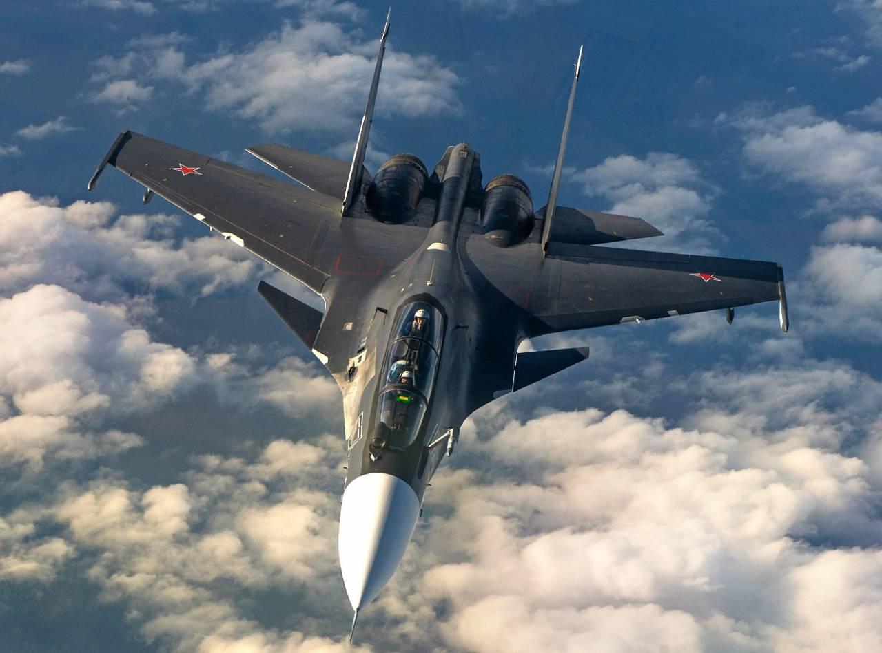 Пилоты Су-30СМ перехватили условного нарушителя внебе Забайкалья