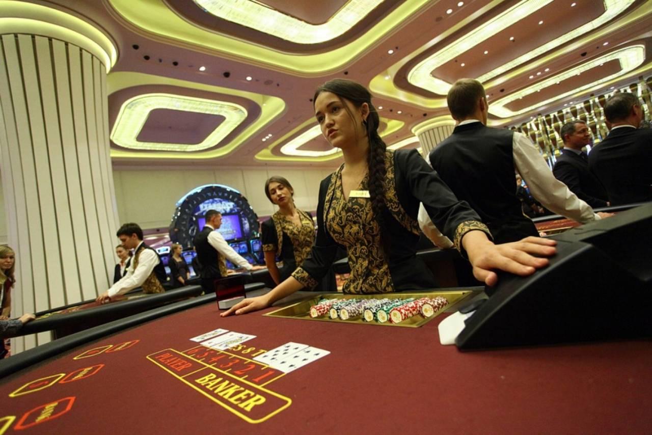 Млн долларов хранилища крупнейшей сети казино лас вегаса владельцем которых виртуальном казино приобрести страховой полис и даже осуществить пожертвование