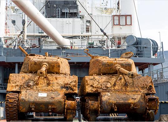 "Водолазы Северного флота подняли со дна Баренцева моря два американских танка ""Шерман"""