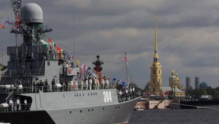 Главный парад ВМФ пройдет в Петербурге