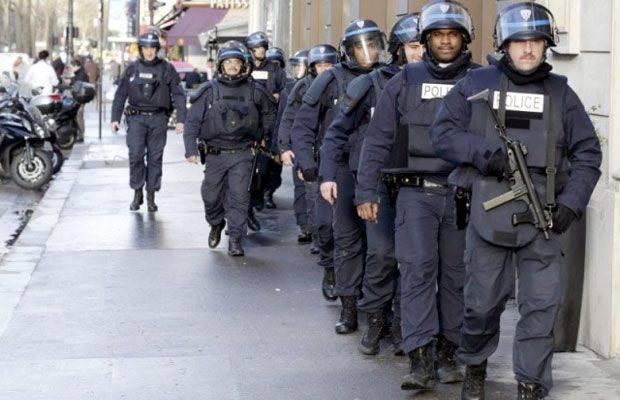 """Франция собирается """"жёстче"""" бороться с терроризмом"""