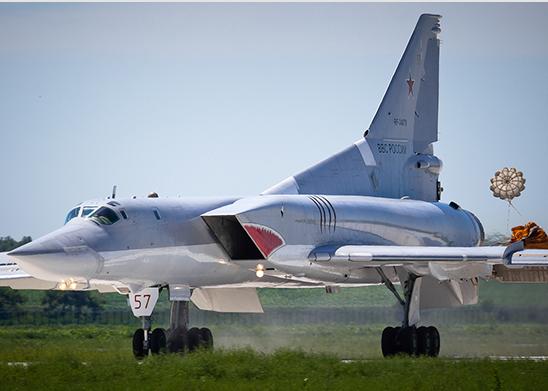 Ту-22М3 и Ил-76 прибыли в Китай для участия в международном конкурсе «Авиадартс-2017»