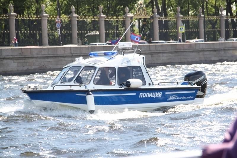 Pour l'ordre sur l'eau. Jour de la police fluviale de la Russie