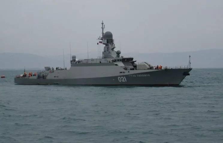 Корабли Каспийской флотилии ВМФ России прибыли вАзербайджанской столице