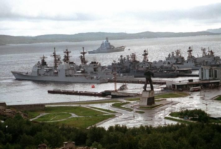 В Североморске парад кораблей завершится вальсом буксиров