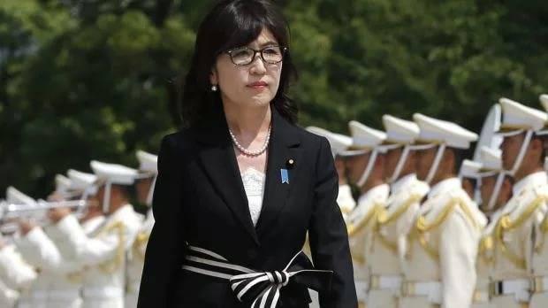 Министр обороны Японии ушла в отставку
