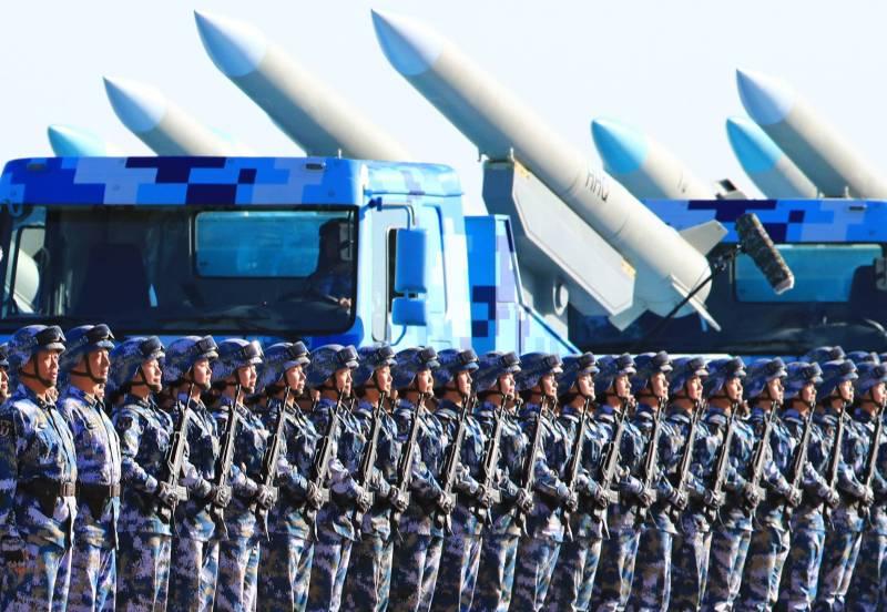 Парад новой военной техники в Китае
