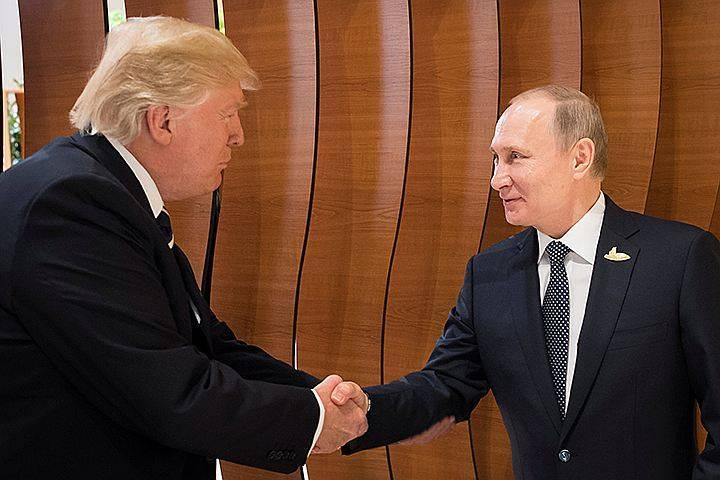트럼프는 새로운 반 러시아 제재에 관한 법률에 서명하고 함정에 빠졌다.