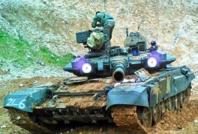 """시리아의 T-90A는 """"슈퍼 헤드 라이트"""""""