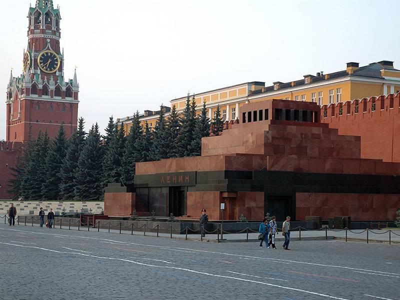 공산당 지도자 : 레틴의 재건에 대한 푸틴