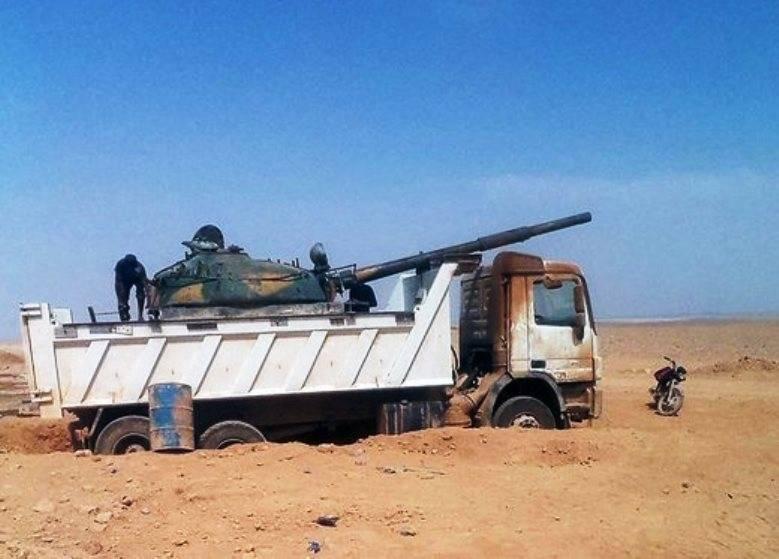 """시리아에있는 이슬람 교도들의 """"싸우는 기계"""""""
