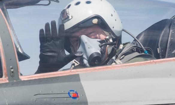 Poroshenko는 MiG-29 전투기를 날 았습니다.