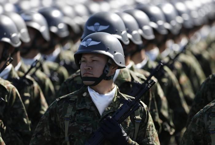 Il Giappone intende equipaggiare l'esercito con armi offensive