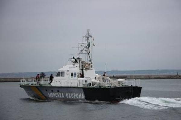 Украинские таможенники  задержали вАзовском море русский  траулер