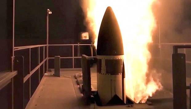일본은 새로운 요격기의 수령을 가속화 할 계획이다.