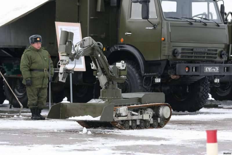 Войска РХБЗ получат новых роботов и противогаз