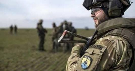 """민스크 (Minsk)에있는 우크라이나 대사 : 2014에서 크리 미안 (Crimeans)의 칼럼에 대한 공격은 """"Azov"""""""