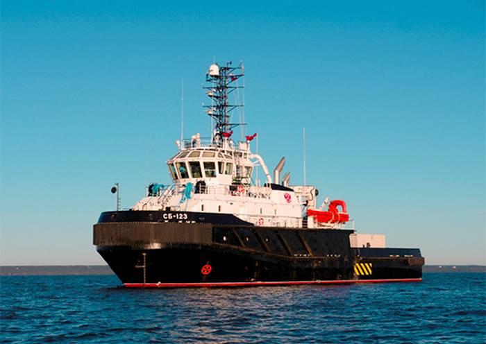 Flotta baltica rifornita con rimorchiatore di terza classe del ghiaccio