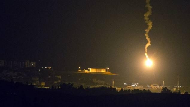 Israele ha risposto con un attacco aereo all'attacco missilistico da Gaza