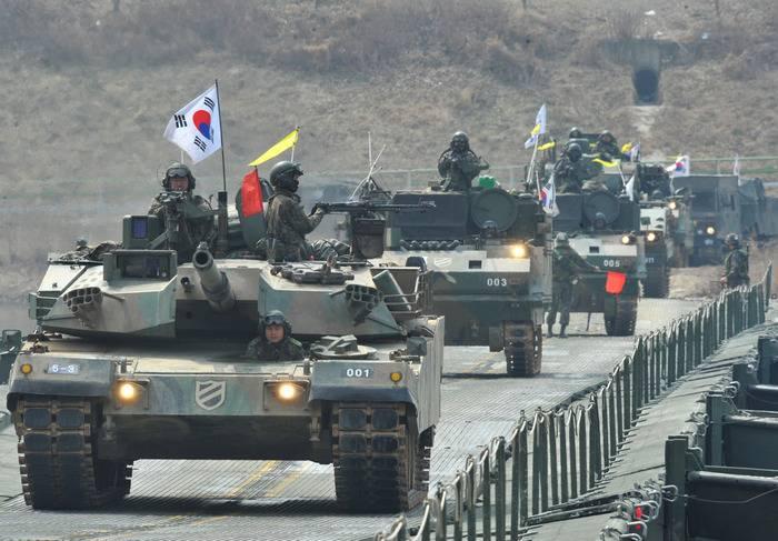 Güney Kore temel bir askeri reform yapmak niyetinde