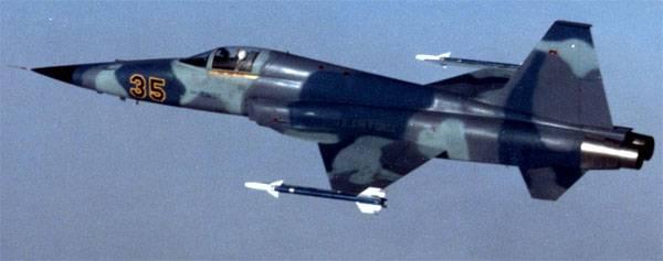 플로리다 해안에서 추락 한 미국 전투기