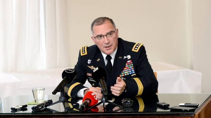 Il comandante della NATO ricorda le macchinazioni di Mosca